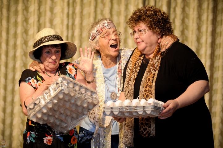 תיאטרון וקולנוע לקשישים